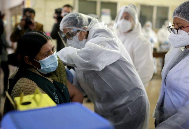 Εμβόλιο με AstraZeneca και J&J: Μπορεί να μπει τέλος στις θρομβώσεις;   tanea.gr