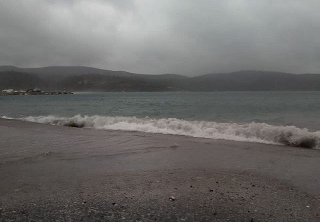 Καιρός: Τοπικές βροχές και καταιγίδες το Σάββατο – Δείτε σε ποιες περιοχές   tanea.gr