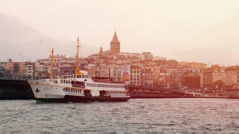 Τουρκία: Έντονες αντιδράσεις και προσαγωγές για τη γυμνή φωτογράφιση μοντέλων εν μέσω Ραμαζανιού | tanea.gr