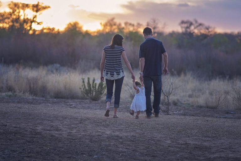 Νομοσχέδιο για εργασιακά: Τι προβλέπει για τις γονικές άδειες και την άδεια πατρότητας   tanea.gr
