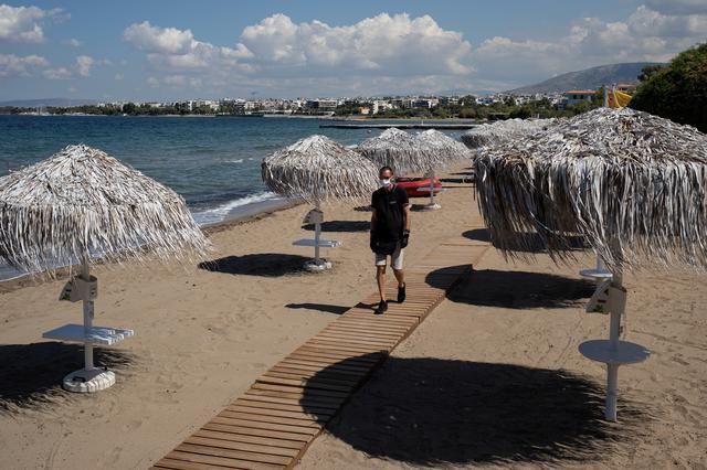 Ανοίγουν σήμερα οι οργανωμένες παραλίες – Ποια μέτρα θα ισχύουν για τους λουόμενους   tanea.gr