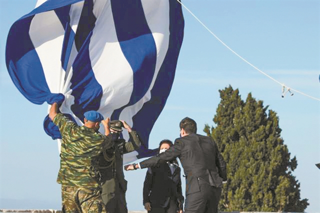 Πολλές – πολιτικές – φωτιές με δύο δηλώσεις   tanea.gr
