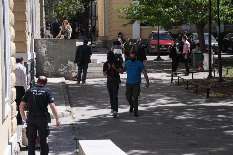 Νέα Σμύρνη: Αναβλήθηκε για τις 14 Μαϊου η δίκη του 22χρονου επιδειξία | tanea.gr