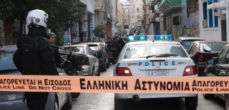 Ληστεία μετά φόνου στα Γλυκά Νερά: Τι είπε ο σοκαρισμένος σύζυγος στους αστυνομικούς | tanea.gr