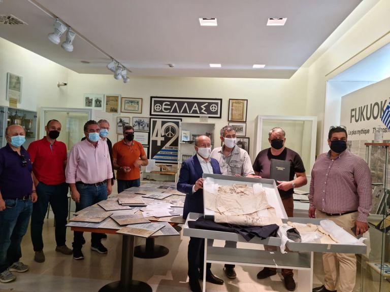 Στο Μουσείο Μαραθωνίου Δρόμου  τα ρούχα του αγωνιστή Γρηγόρη Λαμπράκη | tanea.gr