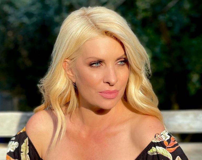 Ελένη Μενεγάκη: Δεν θα πιστεύετε σε ποια Ελληνίδα παρουσιάστρια έκανε follow   tanea.gr