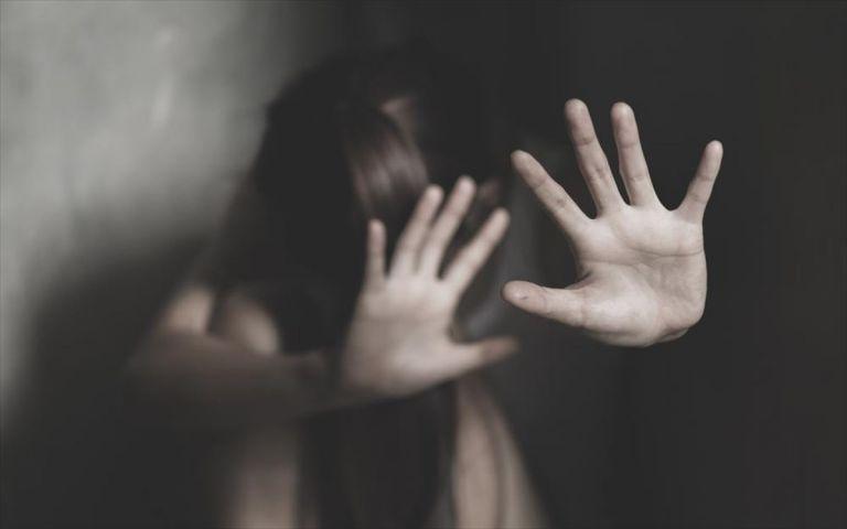 Συνελήφθη δάσκαλος για σεξουαλική παρενόχληση σε μαθήτριες του κάτω των 10 ετών | tanea.gr