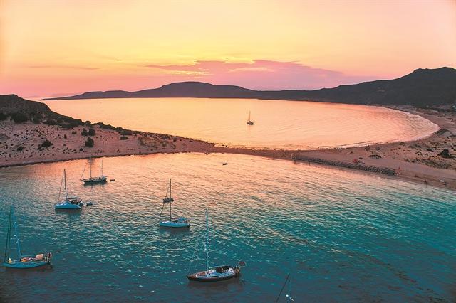 Ελαφόνησος, Μύκονος και το κινηματογραφικό ηλιοβασίλεμα... | tanea.gr