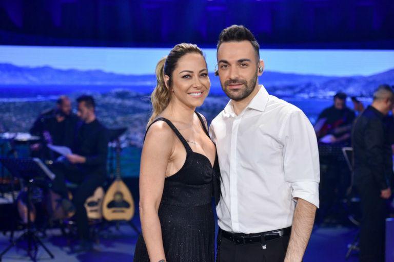 Ο Κώστας Αγέρης υποδέχεται τη Μελίνα Ασλανίδου στο «Σπίτι με το MEGA» | tanea.gr