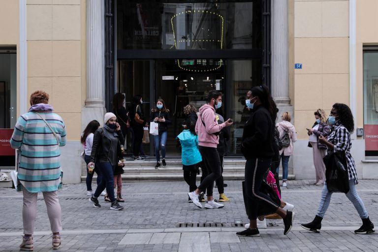 Ανοιχτά τα καταστήματα την Κυριακή – Απεργία από τους εργαζόμενους   tanea.gr