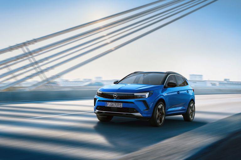 Τι νέο φέρνει το καινούργιο Opel Grandland, τι προσφέρει η πανοραμική κάμερα 360 μοιρών | tanea.gr