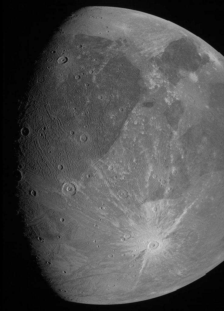 Το Juno της NASA τράβηξε τις πρώτες κοντινές φωτογραφίες του Γανυμήδη | tanea.gr