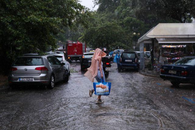 Καιρός: Βροχές και καταιγίδες σε αρκετές περιοχές της Αττικής | tanea.gr