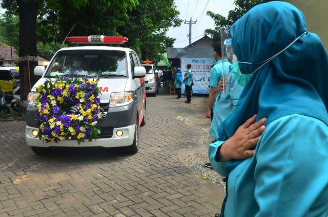 Ινδονησία: Η χώρα ενισχύει τα νοσοκομεία εν μέσω μιας νέας έξαρσης κρουσμάτων | tanea.gr