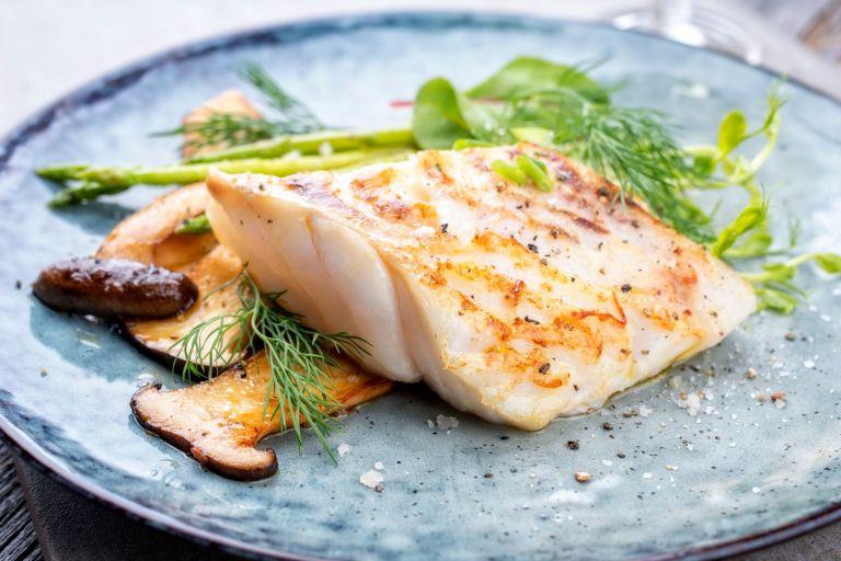 Μικρότερος ο κίνδυνος σοβαρής Covid-19 για όσους κάνουν κυρίως φυτοφαγική και ψαροφαγική διατροφή | tanea.gr