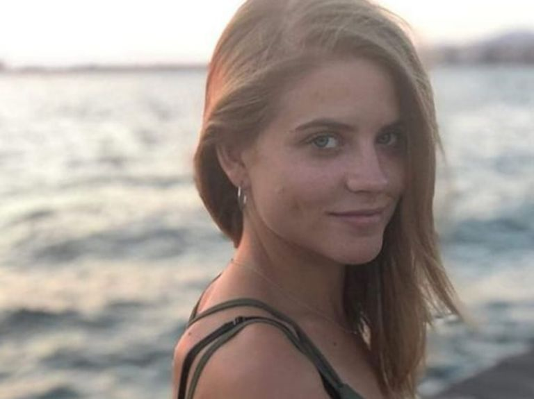 Τι λέει η Δανάη Μιχαλάκη για τον γάμο που δεν έγινε   tanea.gr