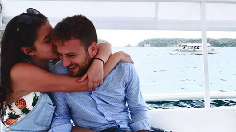 Γλυκά Νερά: Δεν ξέρω αν κλήθηκε για αναγνώριση ή για νέα κατάθεση ο σύζυγος της Καρολάιν λέει ο δήμαρχος Αλονήσσου | tanea.gr