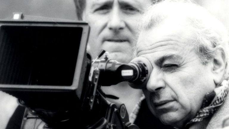 Μιχάλης Κακογιάννης: 100 χρόνια από τη γέννηση του σκηνοθέτη της Στέλλας και του Ζορμπά | tanea.gr
