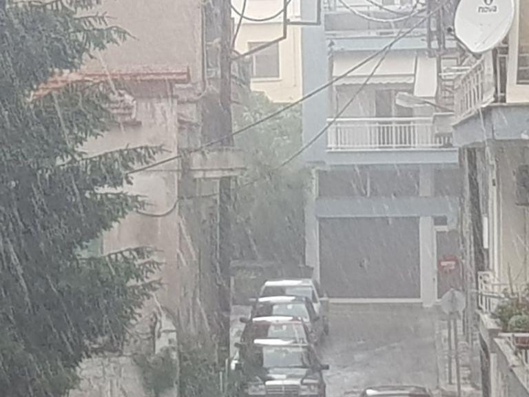 Σφοδρή καλοκαιρινή καταιγίδα σε περιοχές της Δυτ. Μακεδονίας – Χαλαζόπτωση στην Κοζάνη   tanea.gr