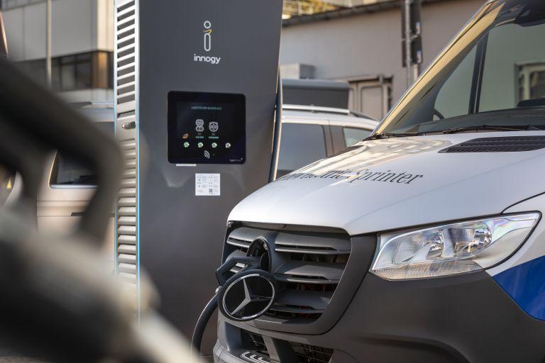 Το μεγάλο δίκτυο φόρτισης και οι εξαιρετικές υπηρεσίες της Mercedes-Benz   tanea.gr