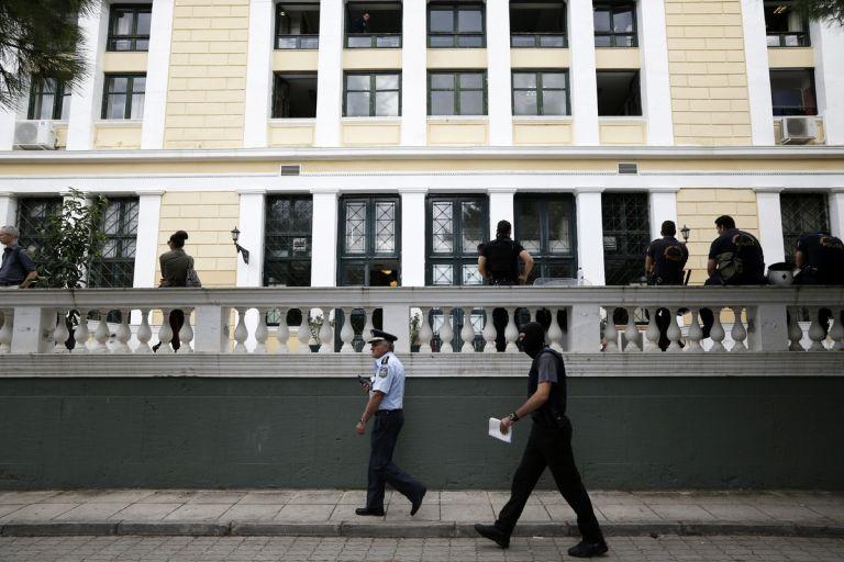 Κώτσηρας: «Κόβεται» το βραχιολάκι για ειδεχθή εγκλήματα | tanea.gr