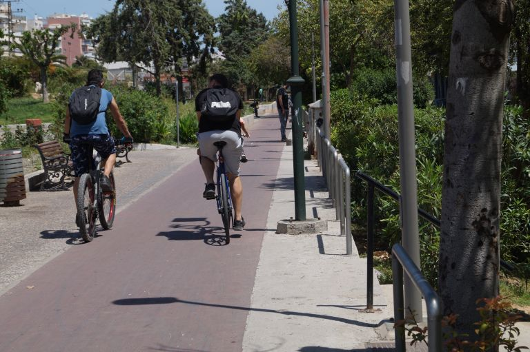 Ποδηλατοβόλτα για να βγει από την αφάνεια ο ποδηλατόδρομος Κηφισιά-Γκάζι   tanea.gr