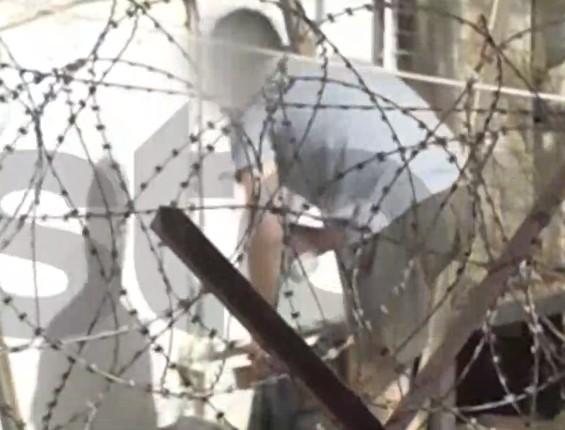 Νέο βίντεο ντοκουμέντο από τον συζυγοκτόνο στη φυλακή | tanea.gr