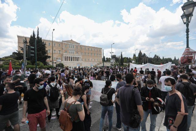 Χιλιάδες κόσμου στις συγκεντρώσεις κατά του εργασιακού νομοσχεδίου – Κλειστό το κέντρο | tanea.gr