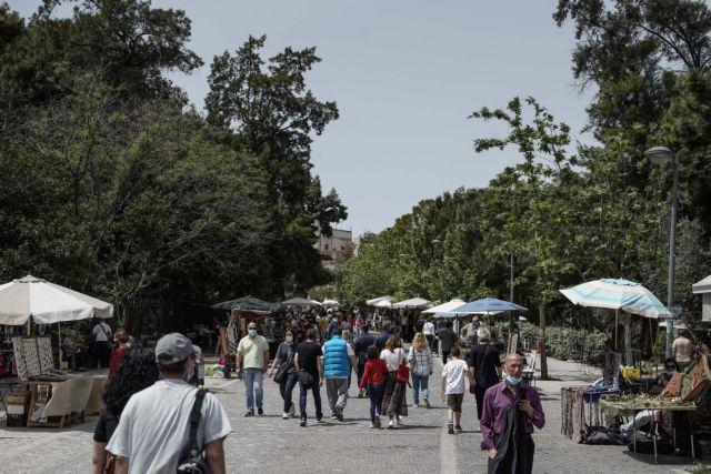 Κοροναϊός: Πάνω από τα μισά κρούσματα στην Αττική   tanea.gr