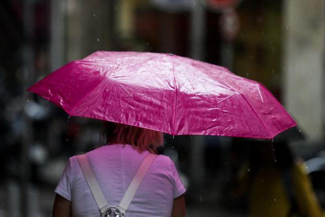 Καιρός: Άστατος σήμερα Κυριακή – Βροχές και σποραδικές καταιγίδες   tanea.gr