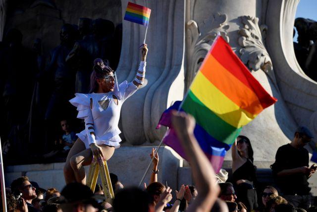Ουγγαρία: Aπαγορεύει με νόμο να προωθείται η ομοφυλοφιλία   tanea.gr