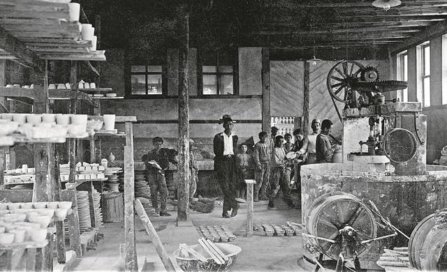 Ενθύμια κεραμικής από την Κιουτάχεια του 1921 | tanea.gr