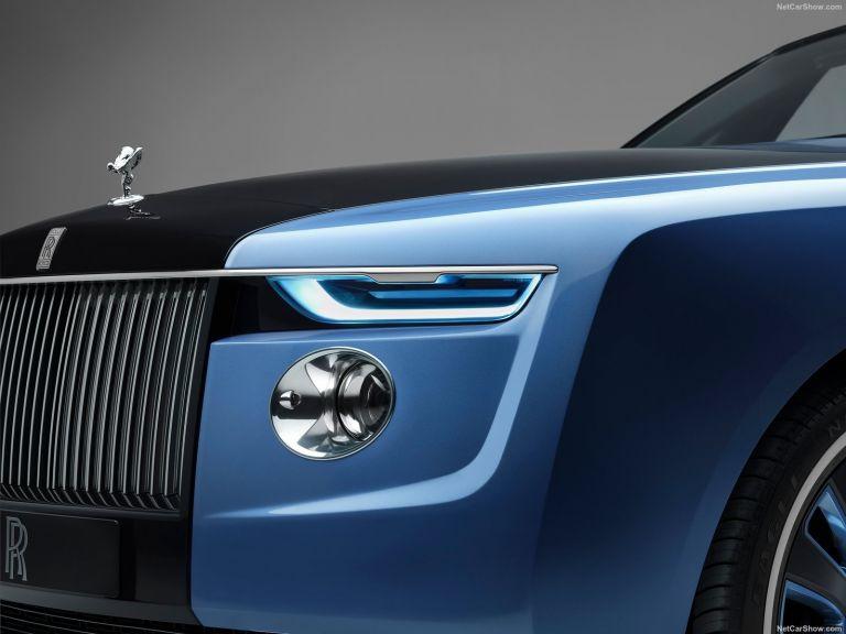 Πότε θα λανσάρει ηλεκτρικό μοντέλο και η  Rolls-Royce   tanea.gr