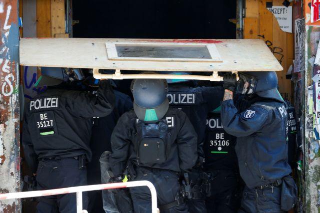 Μακελειό στο Βίρτσμπουργκ της Γερμανίας - Τρεις νεκροί από επίθεση με μαχαίρι   tanea.gr
