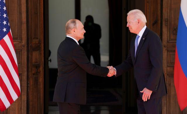 Συνάντηση Μπάιντεν – Πούτιν: Η χειραψία, τα χαμόγελα και η ευχή   tanea.gr