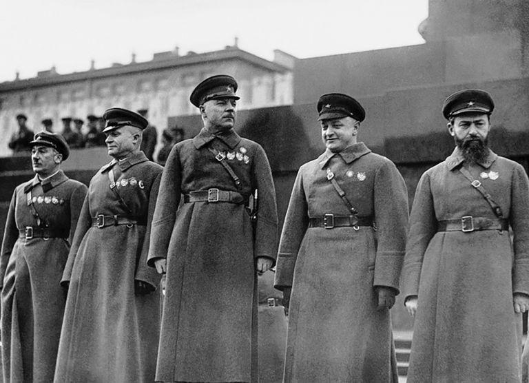 11/6/1937: Το σταλινικό καθεστώς θερίζει την ηγεσία του Κόκκινου Στρατού για εσχάτη προδοσία   tanea.gr