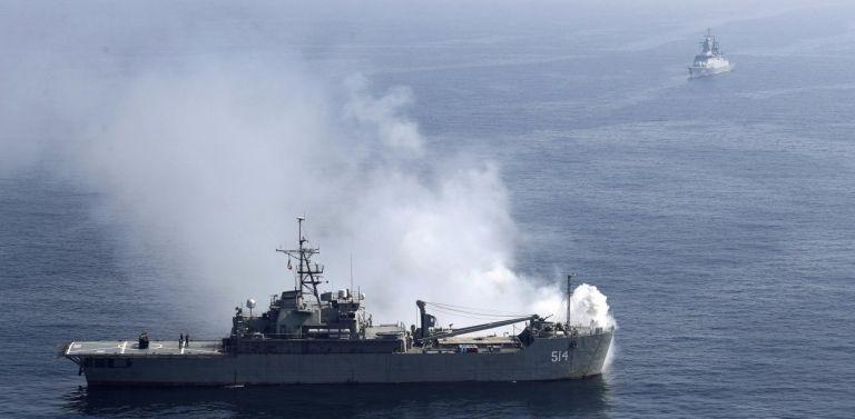 Μαύρη Θάλασσα: Προειδοποιητικά πυρά ρωσικού πολεμικού εναντίον βρετανικού πλοίου   tanea.gr