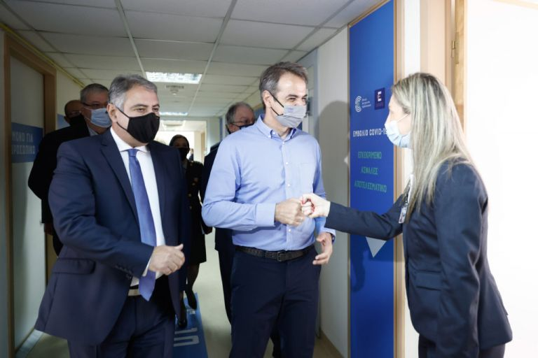 Μητσοτάκης από τα Ιωάννινα: Να ανταποκριθούμε όλοι στη μεγάλη πρόκληση του εμβολιασμού   tanea.gr