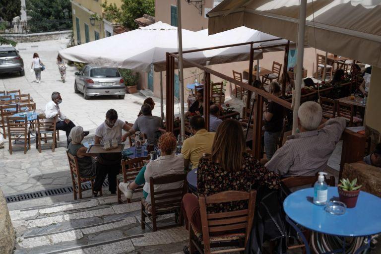 Πονοκέφαλος για τους καταστηματάρχες οι χώροι δύο ταχυτήτων | tanea.gr