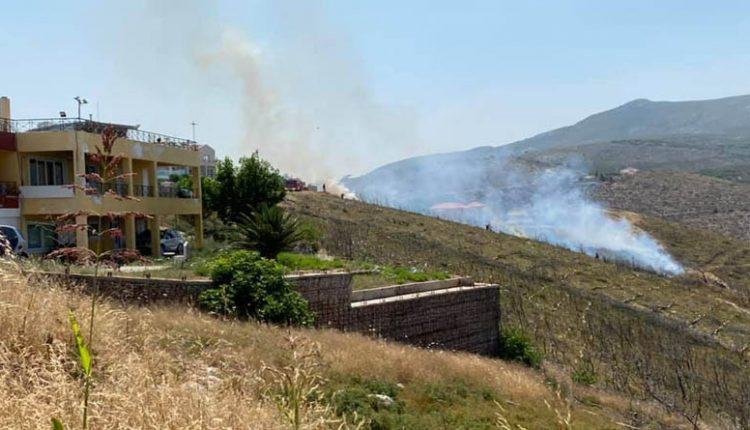 Συναγερμός στην Πυροσβεστική: Φωτιά στον Νέο Βουτζά | tanea.gr