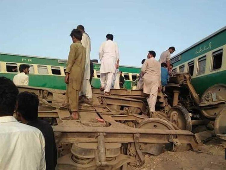 Πακιστάν: Τουλάχιστον 36 νεκροί σε σύγκρουση τρένων – Φόβοι ότι η λίστα θα μεγαλώσει   tanea.gr