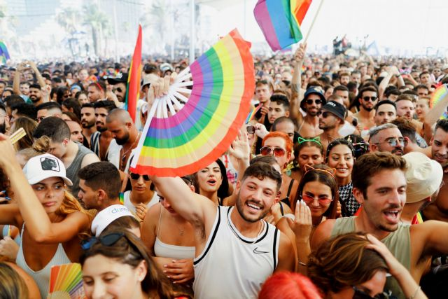 Ισραήλ: «Πορεία Υπερηφάνειας» με πάνω από 100.000 συμμετέχοντες | tanea.gr