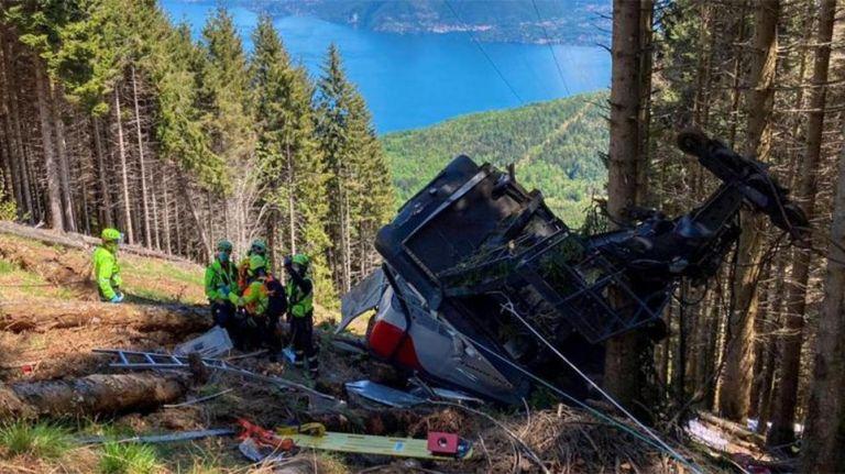 Ιταλία: Στη δημοσιότητα βίντεο με την πτώση του τελεφερίκ που οδήγησε στον θάνατο 14 ανθρώπους | tanea.gr