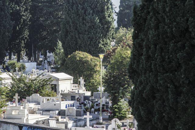 Tρόμος στην Κω: Προσπάθησε να βιάσει δυο φορές γυναίκες στο νεκροταφείο   tanea.gr