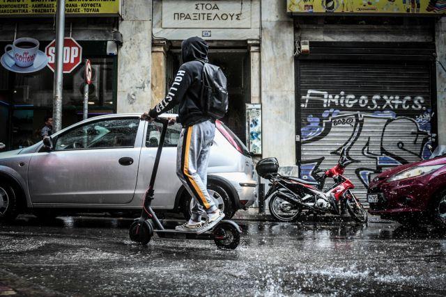 Συνεχίζεται ο άστατος καιρός: Ατμοσφαιρική διαταραχή φέρνει βροχές και σποραδικές καταιγίδες | tanea.gr