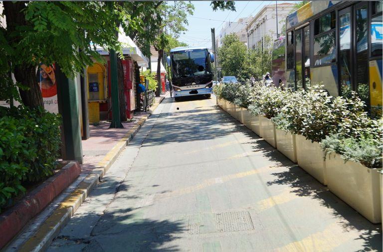 Μου επιτέθηκε οδηγός πούλμαν στον...σουρεαλιστικό ποδηλατόδρομο της Πανεπιστημίου   tanea.gr