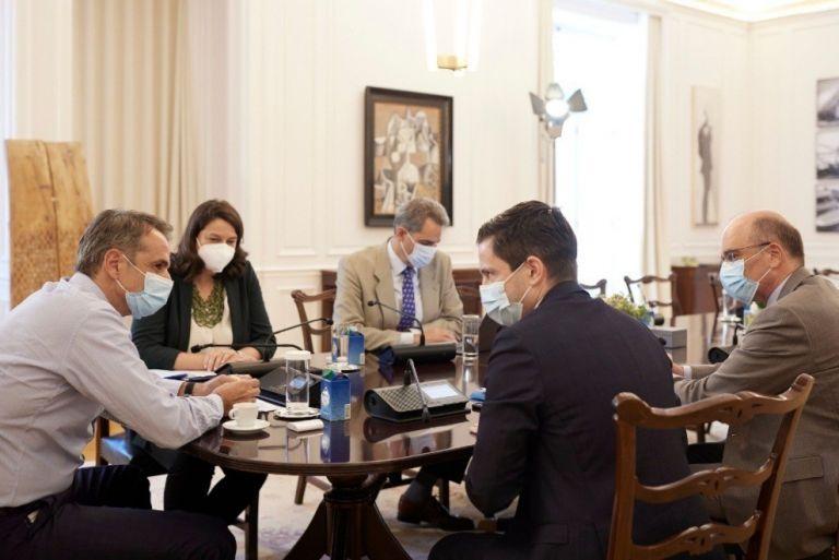 Με τη νέα ηγεσία της Ιατρικής Σχολής ΕΚΠΑ συναντήθηκε ο Κυριάκος Μητσοτάκης   tanea.gr