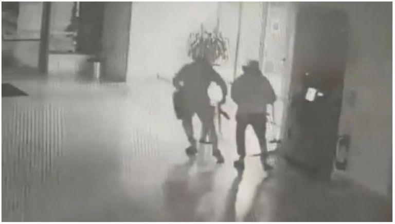 Γνωστός τράπερ ανάμεσα στους συλληφθέντες της σπείρας που «χτυπούσε» ATM | tanea.gr