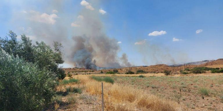 Φωτιά στη Λευκωσία κοντά σε μεμονωμένες κατοικίες | tanea.gr