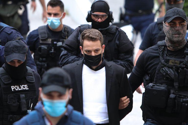 Φυλακές Κορυδαλλού: Ο ιερέας με το βιτριόλι εξομολόγησε τον δολοφόνο της Καρολάιν | tanea.gr